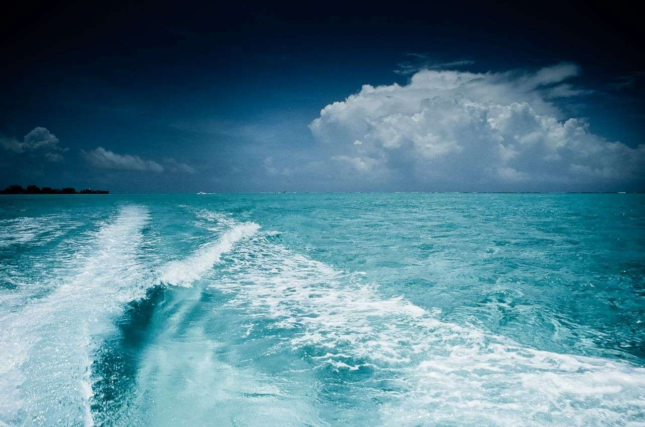 WAVES ISLA SAN ANDRES Y PROVIDENCE ©lucaromanopix